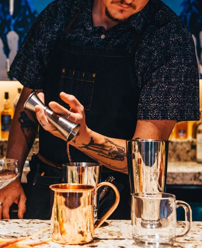 hire bartenders for parties at home
